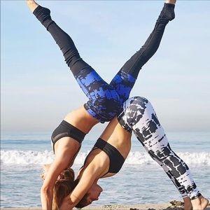 ALO Yoga Black Blue Ribbed Goddess Leggings Sz XS